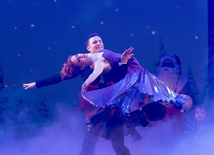 Kate Bradley & Harry Judd - The Christmasaurus Live - Eventim Apollo (c) Alastair Muir