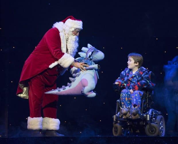 Santa Claus & Dan Mclellan (William Trundle) - The Christmasaurus Live - Eventim Apollo (c) Alastair Muir