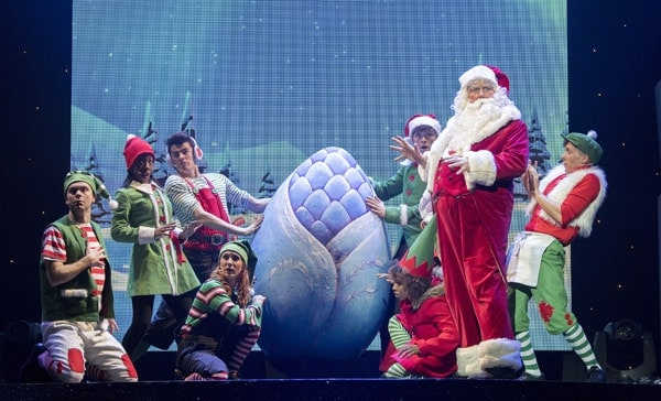 Santa Claus and Ensemble - The Chrismasaurus Live - Eventim Apollo (c) Alastair Muir