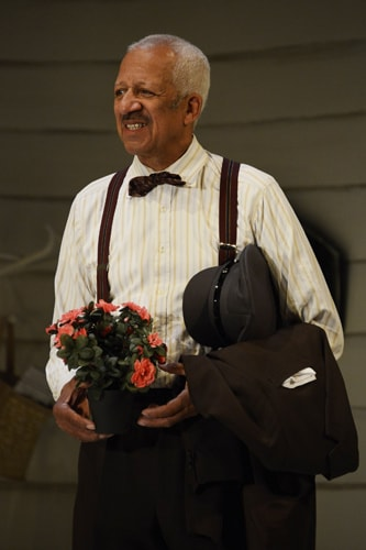 Derek Griffiths in Driving Miss Daisy presented by Theatre Royal Bath Productions CREDIT Nobby Clark