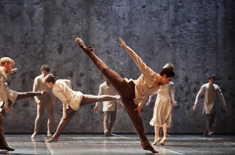 Cesar Corrales in Akram Khan's Giselle (c) Laurent Liotardo