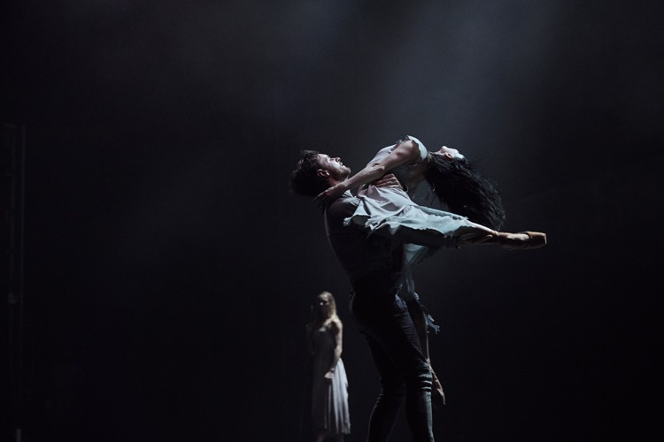 Tamara Rojo and James Streeter in Akram Khan's Giselle (c) Laurent Liotardo
