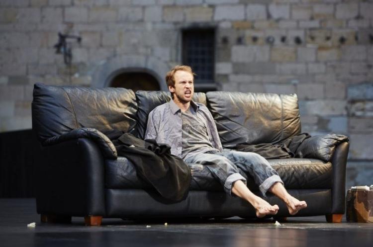 Hamlet. Trafalgar Studios. Mark Arends (Hamlet).