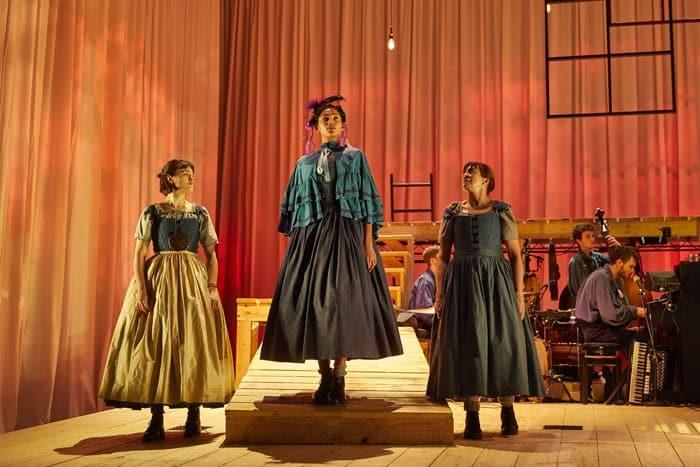 Hannah Bristow, Evelyn Miller, Lynda Rooke NT Jane Eyre Tour 2017. Photo by BrinkhoffMögenburg