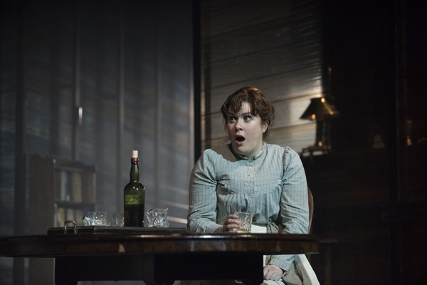 Long Days Journey Into Night Wyndhams Theatre: Jessica-Regan Cathleen - Photographer Hugo Glendinning