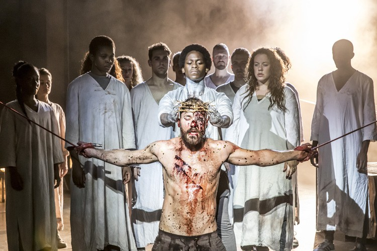 Tyrone Huntley and Declan Bennett as Judas and Jesus. Photo Johan Persson
