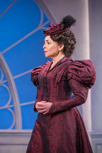 Samantha Spiro as Mrs Erlynne (2) - Credit Marc Brenner