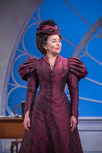 Samantha Spiro as Mrs Erlynne (3) - Credit Marc Brenner