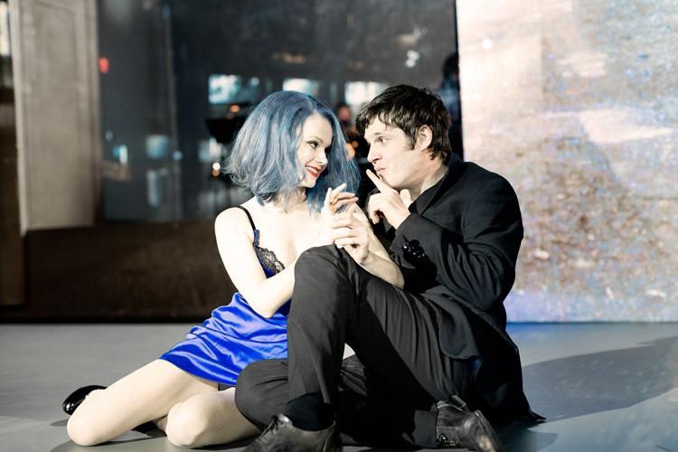LAZARUS - Michael Esper (Valentine), Amy Lennox (Elly) Credit Jan Versweyveld