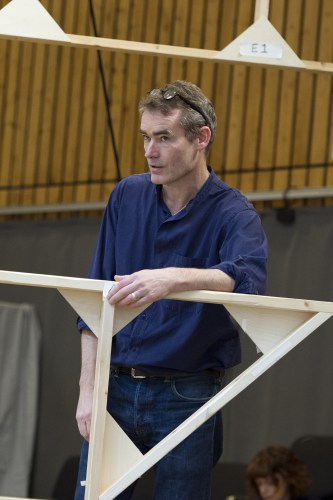 Rufus Norris in rehearsal for The Threepenny Opera credit Richard Hubert Smith