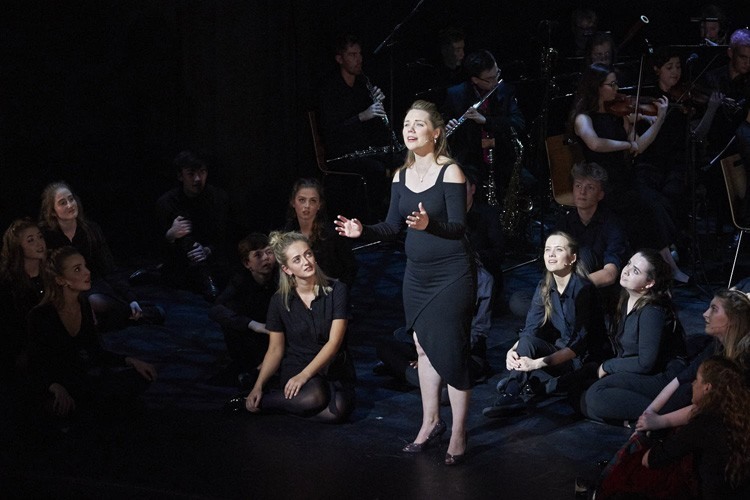 NYMT GALA GIna Beck and company Photo Konrad Bartelski