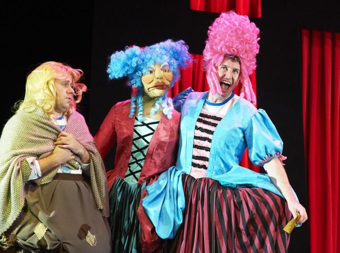 Potted Panto Garrick Theatre CREDIT Geraint Lewis