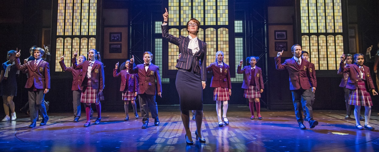 centre Florence Andrews (Rosalie Mullins) & the kids from School of Rock, photo by Tristram Kenton