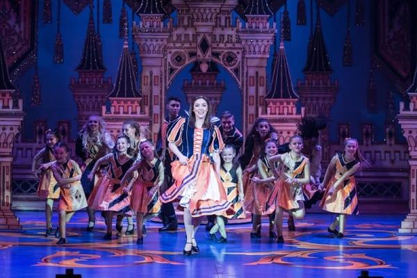 Naomi Cowe as Snow White, Ensemble and Laura Bruce Dance Academy