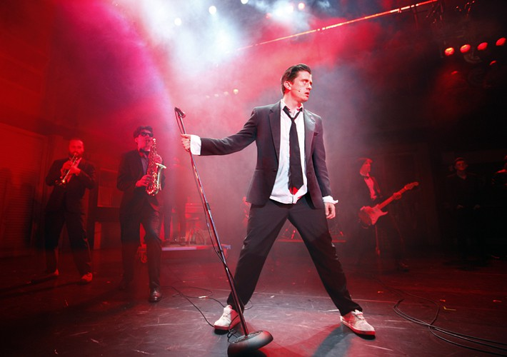 Deco (Brian Gilligan), in The Commitments, photo credit Johan Persson