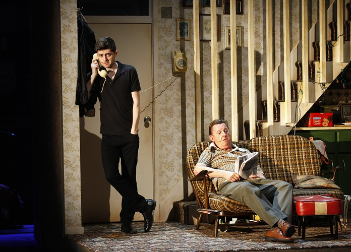 Jimmy (Andrew Linnie) and Jimmy's Da (Kevin Kennedy), photo credit Johan Persson