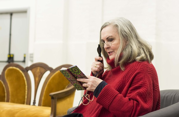 Gwen Taylor in rehearsals for THE IMPORTANCE OF BEING EARNEST. Photo credit James Findlay (6)