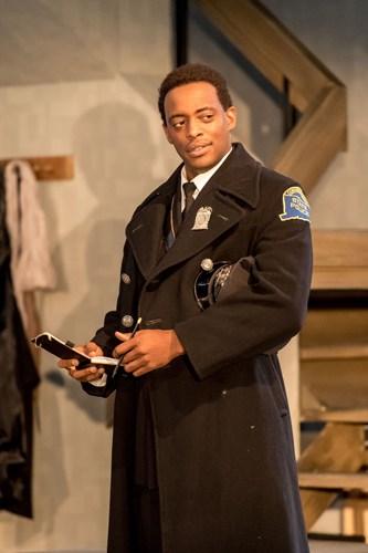 OLIVER ALVIN-WILSON (Lieutenant Olsen) - Photo credit: Manuel Harlan