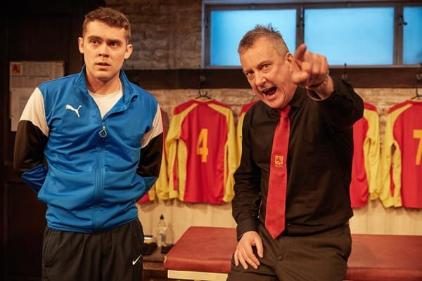 The Red Lion, Trafalgar Studios - Dean Bone and Stephen Tompkinson (courtesy of Mark Douet)