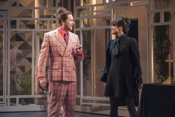 Twelfth Night Daniel Rigby as Sir Andrew Aguecheek, Niky Wardley as Maria, image by Marc Brenner