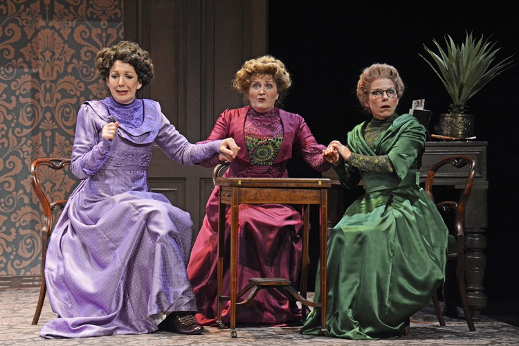 From L-R Geraldine Fitzgerald (Marie Helliwell), Kate Anthony (Clara Soppitt) and Sue Devaney (Annie Parker) -When We Are Married CREDIT. Photograph By ©Nobby Clark