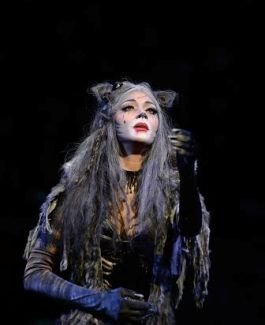 Nicole Scherzinger (Grizabella) in Cats at the London Palladium.