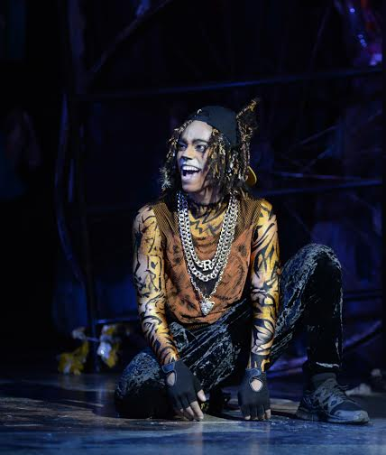 Antoine Murray-Straughan (Rum Tum Tugger) at the London Palladium.