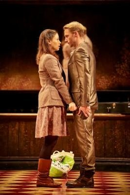 Jill Winternitz as Girl and Ronan Keating as Guy in Once