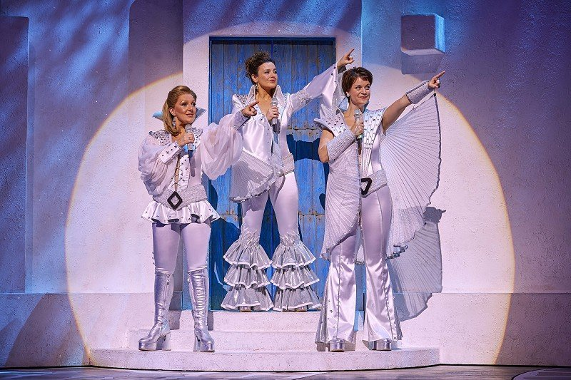Mazz Murray, Dianne Pilkington Jo Napthine in the West End production of MAMMA MIA.