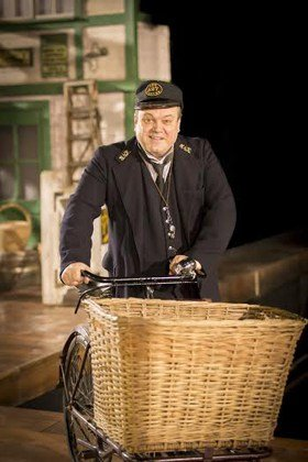 Shaun Williamson as Mr Perks in The Railway Children.