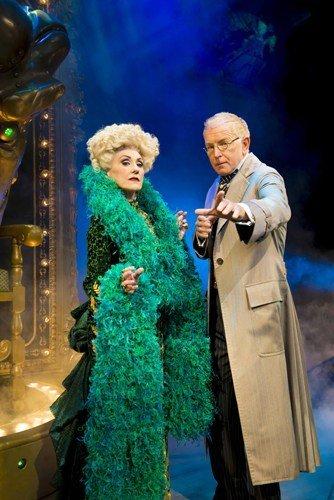 Anita Dobson (Madame Morrible) & Mark Curry (The Wizard) Photo By Matt Crockett
