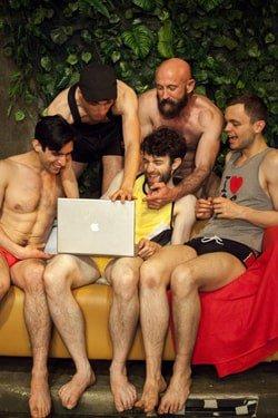 5 Guys Chillin' (c) Laura Marie Linck