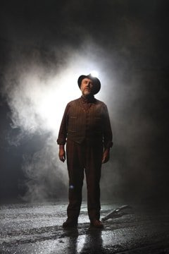 Bob Fox (Songman) War Horse Tour by Ellie Kurttz