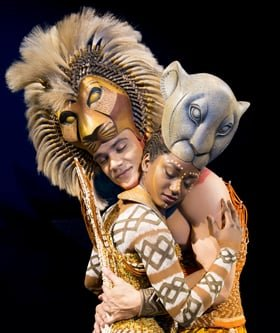 'The Embrace' - Nick Afoa as Simba, Janique Charles as Nala 2017 ©Disney