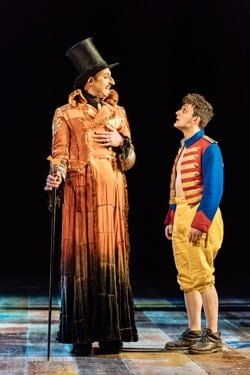 David Langham as The Fox, Joe Idris Roberts as Pinocchio in Pinocchio. Image Manuel Harlan