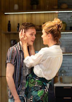 Monogamy - Jack Archer, Janie Dee (c) Helen Maybanks