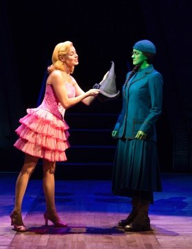 Wicked London Alice Fearn (Elphaba) and Sophie Evans (Glinda) - Photo Darren Bell