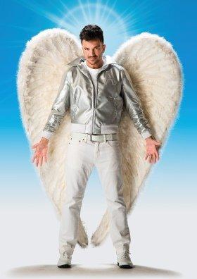 Peter Andre as Teen Angel in Grease - credit Hugo Glendinning