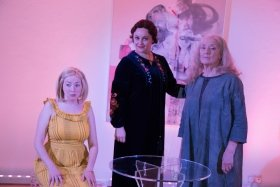 Kirsten Moore, Colette Redgrave, Judith Paris. Photo by Conal/Pavemar Productions
