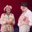 Brian Capron as Straight Arrow & Mark Williams as Doctor Dolittle in DOCTOR DOLITTLE. Credit Alastair Muir.