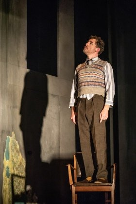 Lee Evans in Pinter Three. Photo credit Marc Brenner.