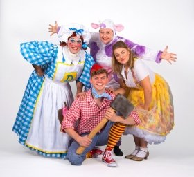 Jack and the Beanstalk - Queen's Theatre Hornchurch - Photo credit Mark Sepple.