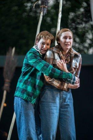 Heather Lowe and Elizabeth Karani as Hansel and Gretel. Photo Johan Persson.