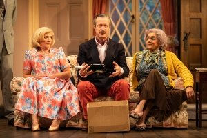 Debra Gillett (Belinda Blair), Jonathan Cullen (Frederick Fellowes) and Meera Syal (Dotty Otley) in Noises Off. Directed by Jeremy Herrin. Designed by Max Jones. Photo Credit Helen May.