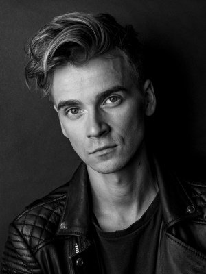 Joe Sugg Announced To Join The Cast Of Waitress September 2019 Joe sugg is famously the younger brother of the very hugely successful youtuber and author, zoella, and. joe sugg announced to join the cast of