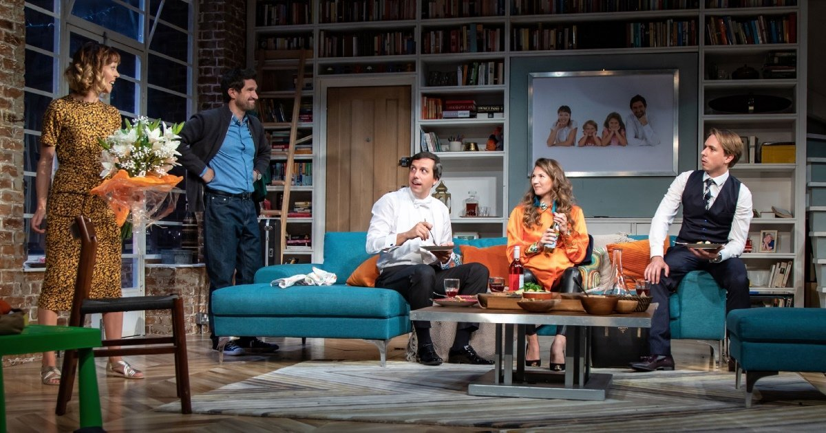 Cast in What's In A Name - UK Tour - Credit Piers Foley for Target Live.