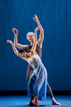 Natalia Osipova - Pure Dance Valse Triste Dancers Natalia Osipova and David Hallberg - Johan Persson (c)
