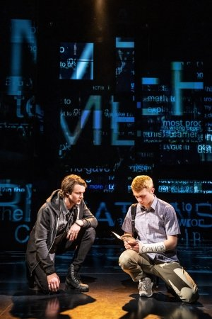 l-r. Doug Colling (Conor Murphy), Sam Tutty (Evan Hansen) photo by Matthew Murphy.