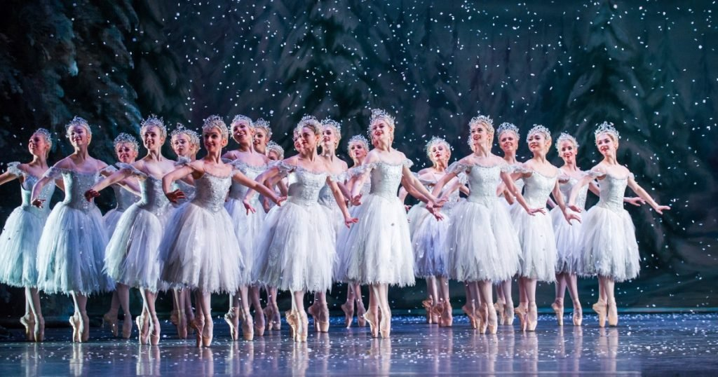 Artists of The Royal Ballet in The Nutcracker, The Royal Ballet (c) 2015 ROH. Photograph by Tristram Kenton.
