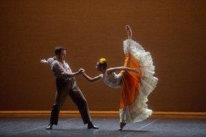 Fabian Reimair and Tamara Rojo in Annabelle Lopez Ochoa's Broken Wings part of English National Ballet's 70th Anniversary Gala (c) Laurent Liotardo